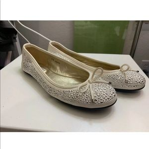 100% AUTHENTIC Tory Burch Weber Studded Flats